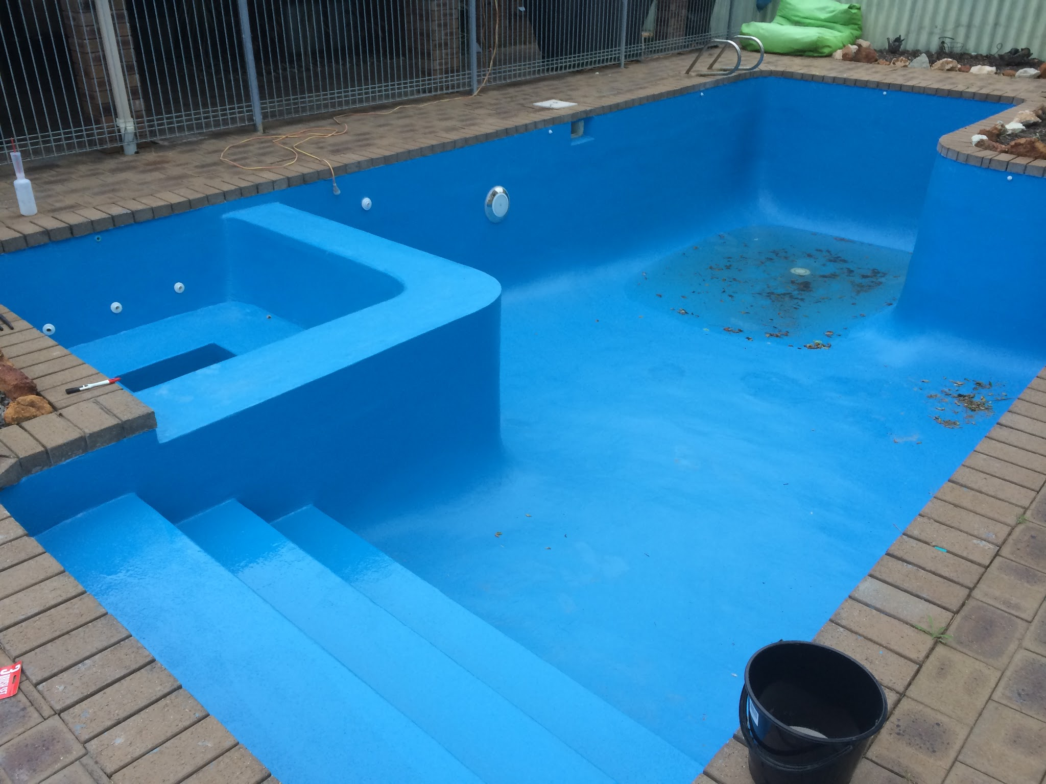Est pool renovations swimming pool renovation in perth for Pool show perth